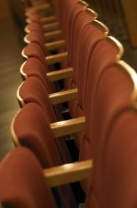 chair-theater-1107994-m